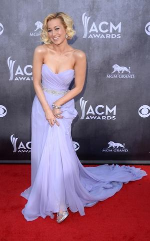 Kellie Pickler looks like she as having a blast at the awards