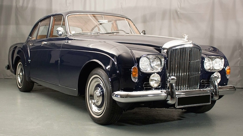 A 1963 Bentley S3 Continental 'Flying Spur' went for €170,825