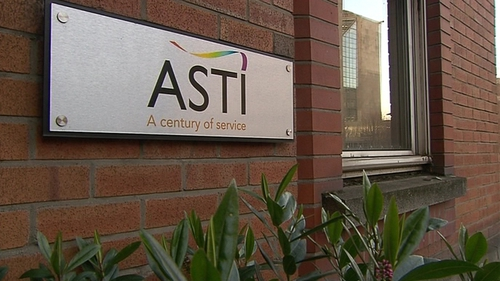 ASTI concerned over pay for newly qualified teachers and the withdrawal from supervision and substitution duties