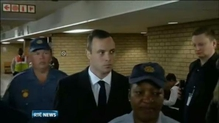 Pistorius begins giving evidence