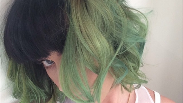 Katy Perry shows off her new 'slime green' locks