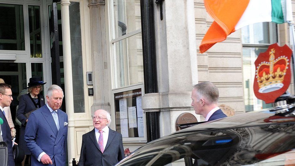 Prince Charles and President Higgins leave the Embassy en route to Windsor