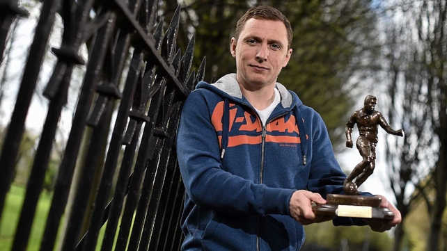 Gary O'Neill: 'I'm accepting the award on behalf of all the players and the staff at Drogheda, who have been great'