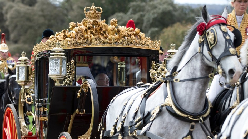 President Higgins and Queen Elizabeth were taken to Windsor Castle in the Australian State Coach
