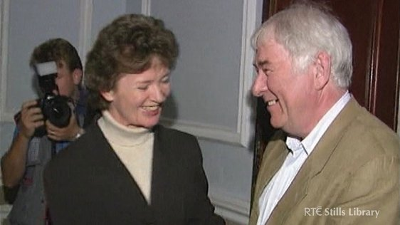 Mary Robinson and Seamus Heaney © RTÉ Archives 3031/013