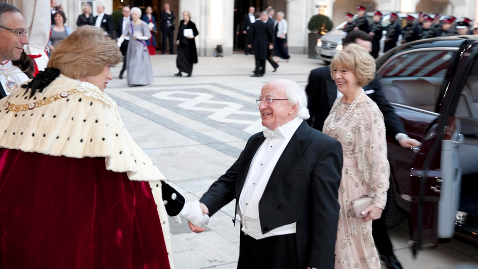 President Higgins and Sabina are welcomed by their host, Lord Mayor of London Fiona Woolf to the gala dinner