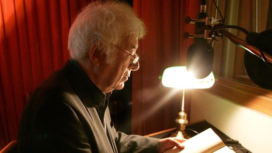Seamus Heaney with kind permission of Photocall
