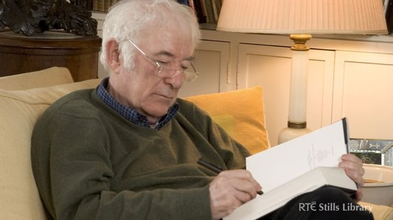 Irish Poet Seamus Heaney (2009)