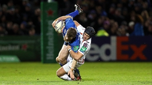 Gordon D'Arcy is tackled by Matthew Morgan during Leinster's last meeting with Ospreys
