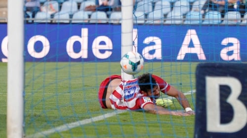 Diego Costa scoring the second goal in a painful manner