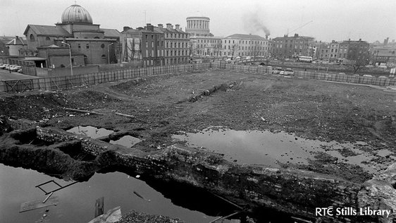 Archaeological Dig at Winetavern Street (1974)