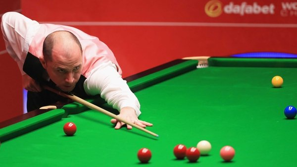 Joe Perry won seven of the eight frames he played against a lacklustre Jamie Burnett on Monday