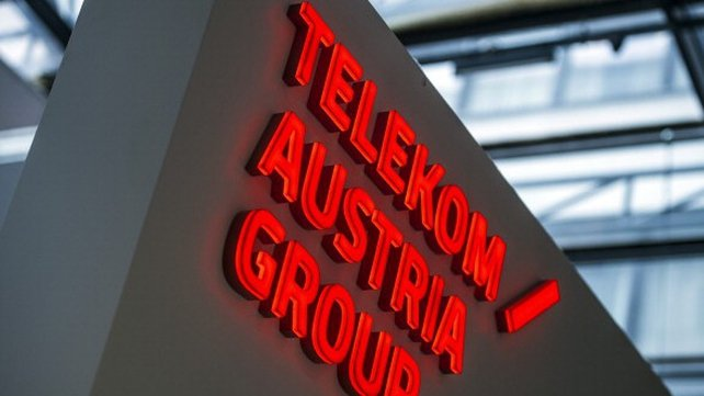 Mexican billionaire Carlos Slim secures a deal with Telekom Austria.