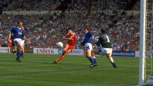 Ian Rush shoots past Neville Southall as Liverpool beat Everton in the 1989 FA Cup final