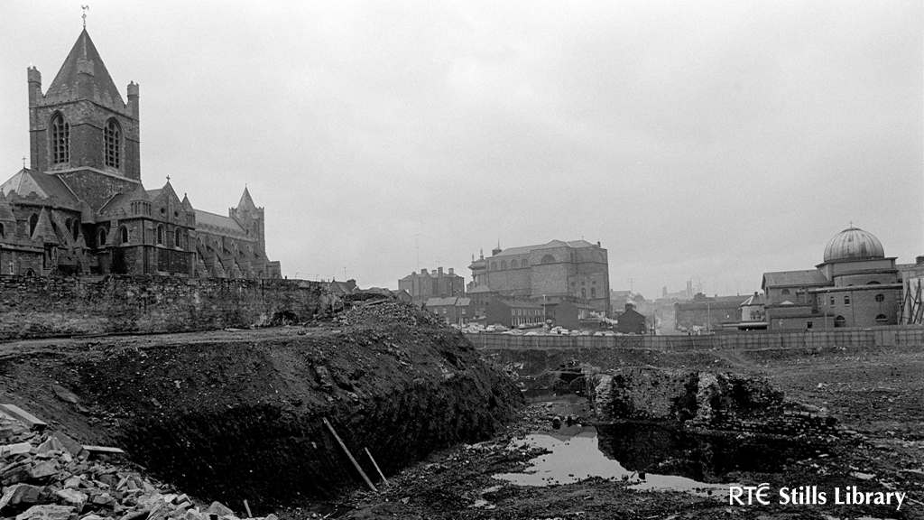 Archaeological Dig at Winetavern Street (1974)  2459/073 © RTÉ Archives