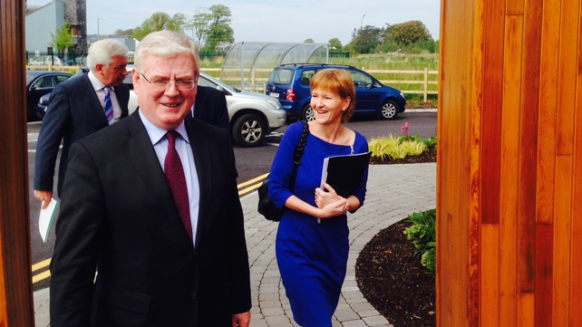 Tánaiste Eamon Gilmore said he intends to continue as leader of the Labour Party