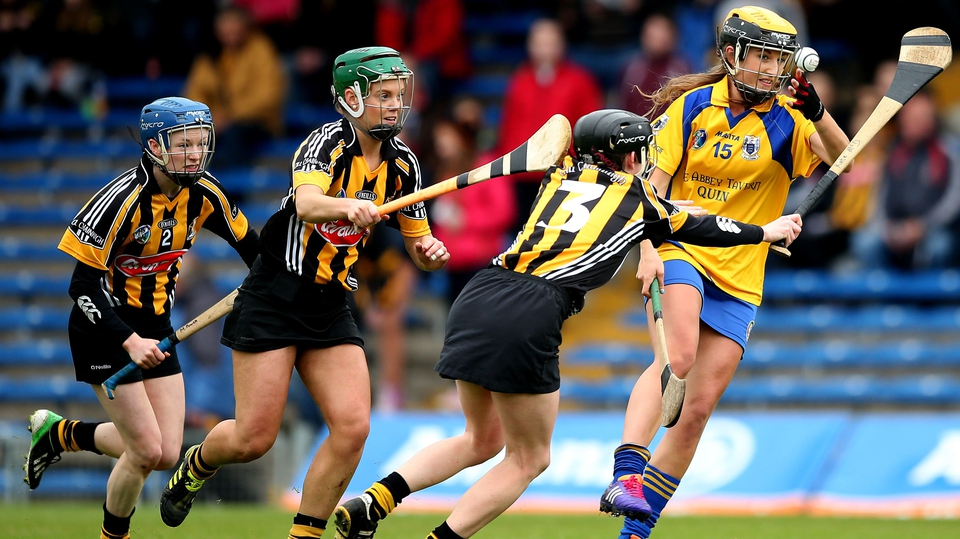 Kilkenny's Mairead Power, Colette Dormer and Kate McDonald chase down Ellen Horgan of Clare