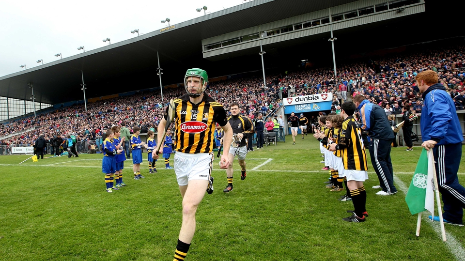 Henry Shefflin leads out Kilkenny ahead of the Allianz League final in Thurles