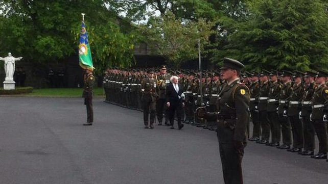 The President inspects the guard of honour