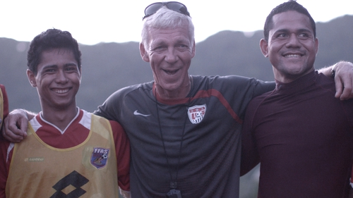 Dutch coach Thomas Rongen (middle) with members of the American Samoa squad