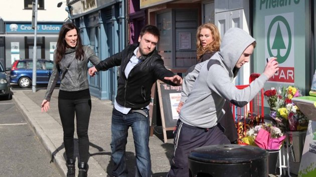 Michael steps up when Caoimhe is mugged