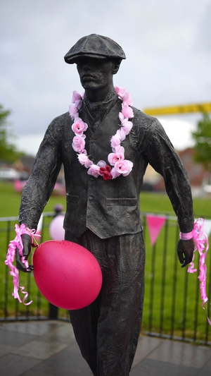 Pink was strewn around Belfast ahead of the start of the Giro
