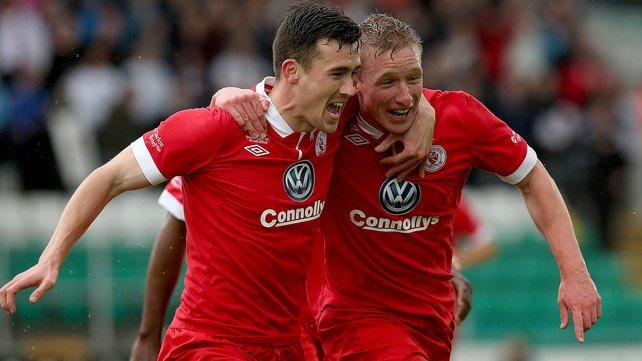 Sligo's Paul O'Conor (R) celebrates scoring his first-half goal with Aaron Greene