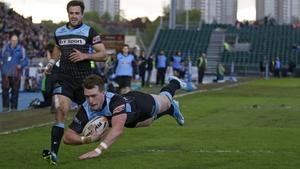 Glasgows' Stuart Hogg scores his side's second try