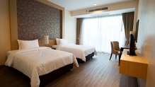 Survey finds hotel prices rose by 10%
