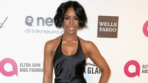 Kelly Rowland ties the knot in simple ceremony