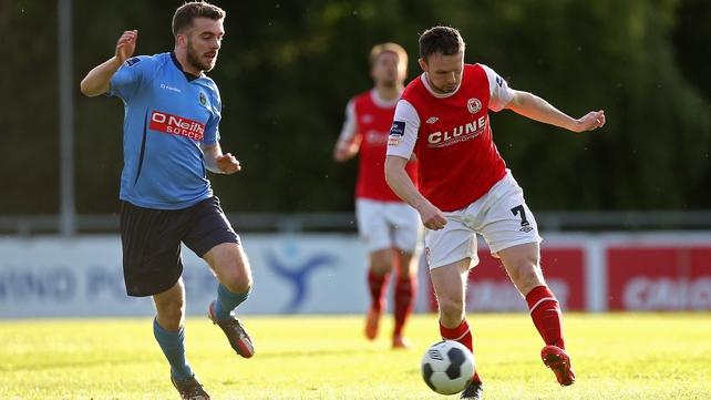 UCD's Thomas O'Halloran closes down Conan Byrne of St Patrick's Athletic