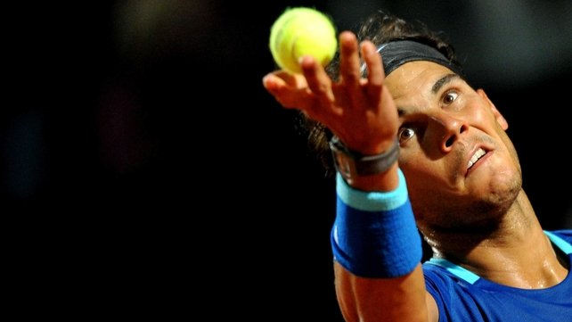 Rafa Nadal powered to a 6-2 6-2 victory