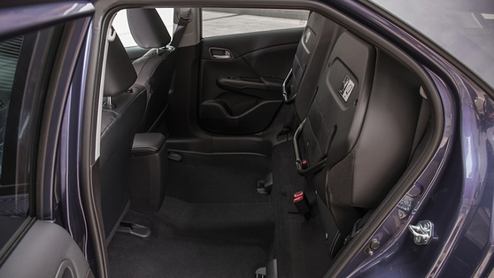 'Magic Seats' give a very handy and tall cargo area
