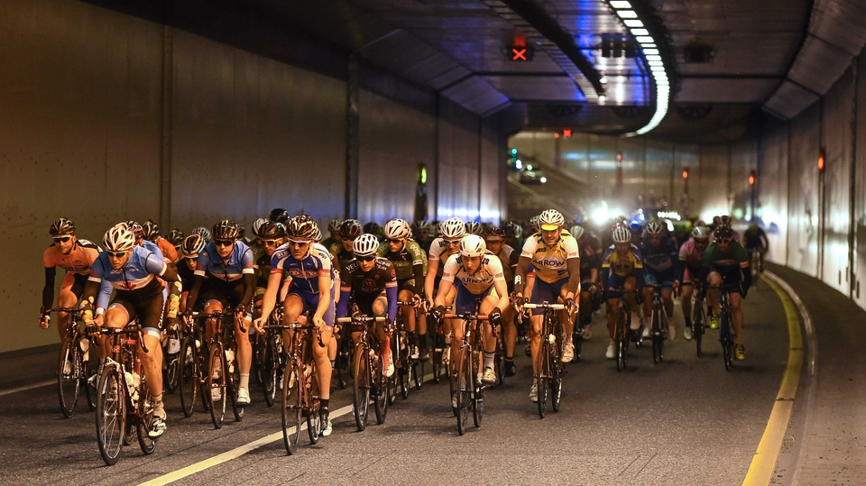 Stage 6: The peloton passes through the Jack Lynch Tunnel