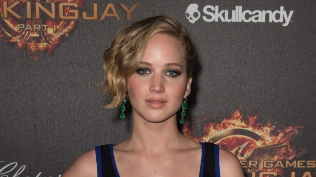 Watch Jennifer Lawrence in the first Hunger Games: Mockingjay trailer