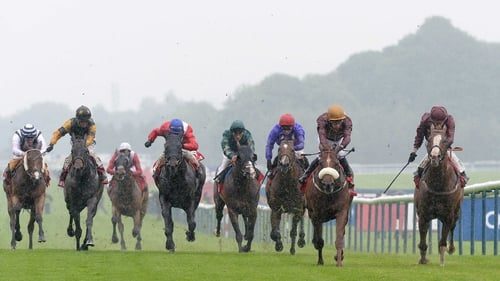 Hot Streak build on a promising seasonal reappearance to take weak renewal of the Temple Stakes at Haydock last month