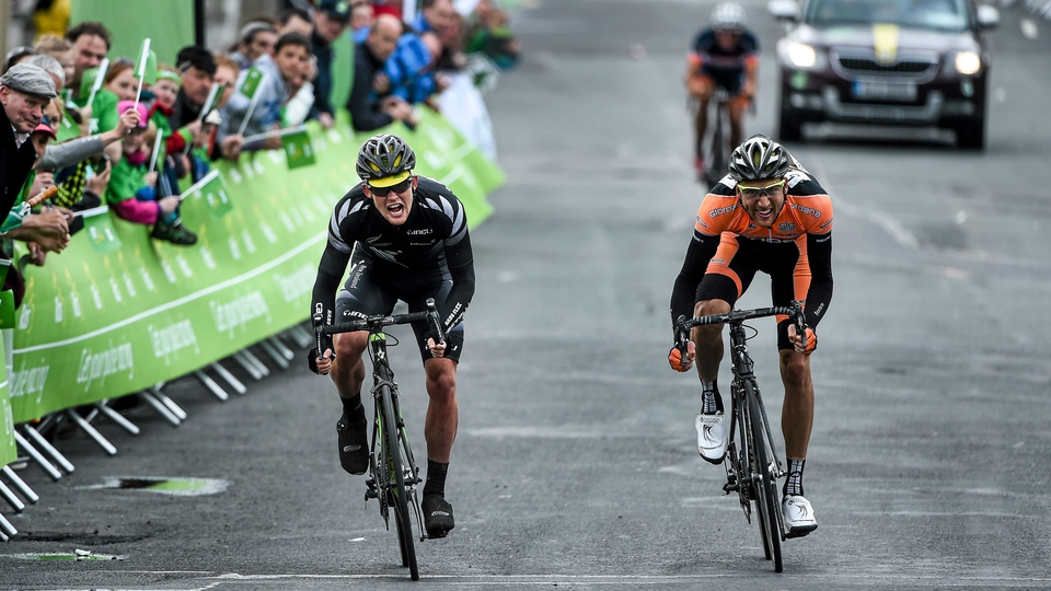 Hamish Schruers of the New Zealand National Team edged a close sprint with Velosure Giordana's Robert Partridge to take second place on the stage