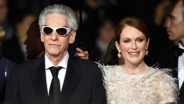 Director David Cronenberg and Best Actress winner Julianne Moore