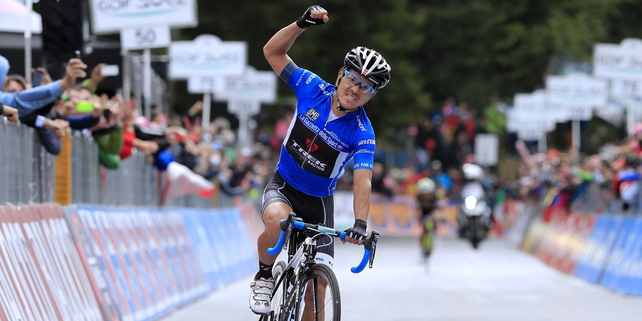 Julian Arredondo celebrates his stage win in Rifugio Panarotta