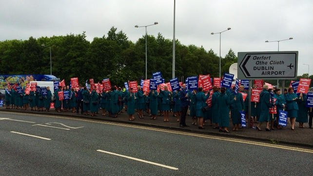Aer Lingus cabin crew picketing outside Dublin Airport
