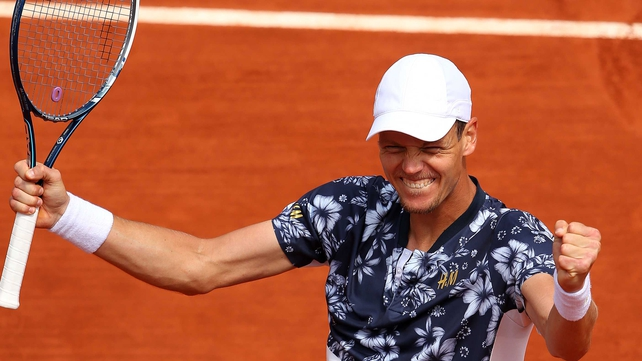 Berdych built a winning platform by breaking the tenth seed in his first service game in each of the first two sets