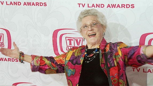 Ann B Davis received an Emmy Award for playing Alice Nelson in the long running sit-com