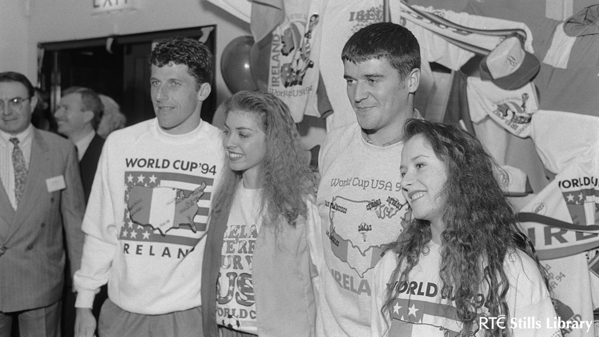 Roy Keane and Andy Townsend in 1994 but who are the two girls?