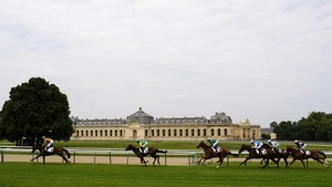 Runners turn into the straight in the Prix de la Mardelle at Chantilly