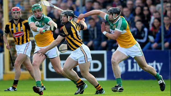 Kilkenny's Richie Hogan with Joe Bergin and Dan Currams of Offaly