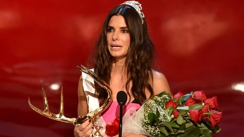 Sandra Bullock accepts her Decade of Hotness honour