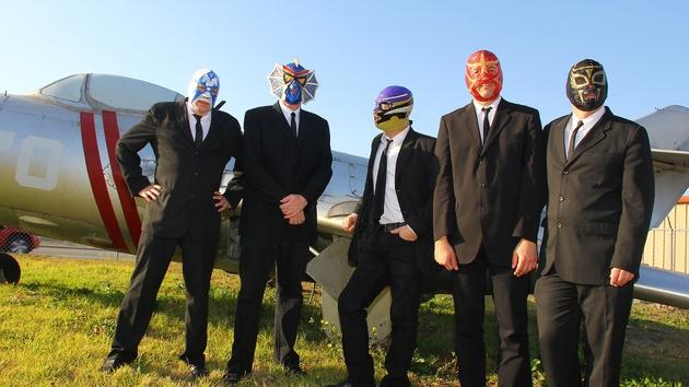 Los Straitjackets - Grand Social-bound