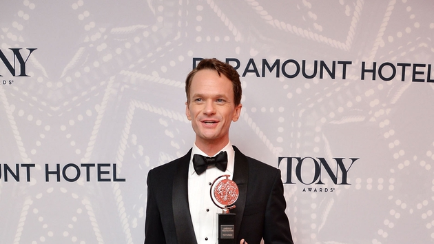 Neil Patrick Harris busted out some moves at last night's Tony Awards