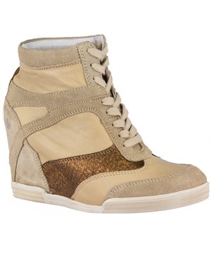 Pair of shoes to the value of €100 to giveaway from PurpleTag.ie