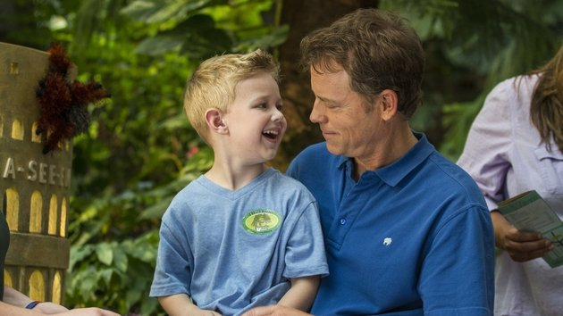 Greg Kinnear and 4-year-old Connor Corum's performances as father and son are brilliant.